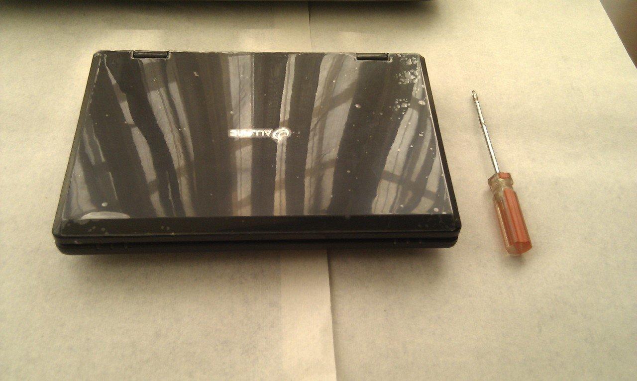 《80元入的笔记本电脑开箱,附拆机》